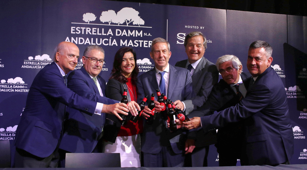 Toast at the end of the presentation of the Estrella Damm N.A. Andalucía Masters