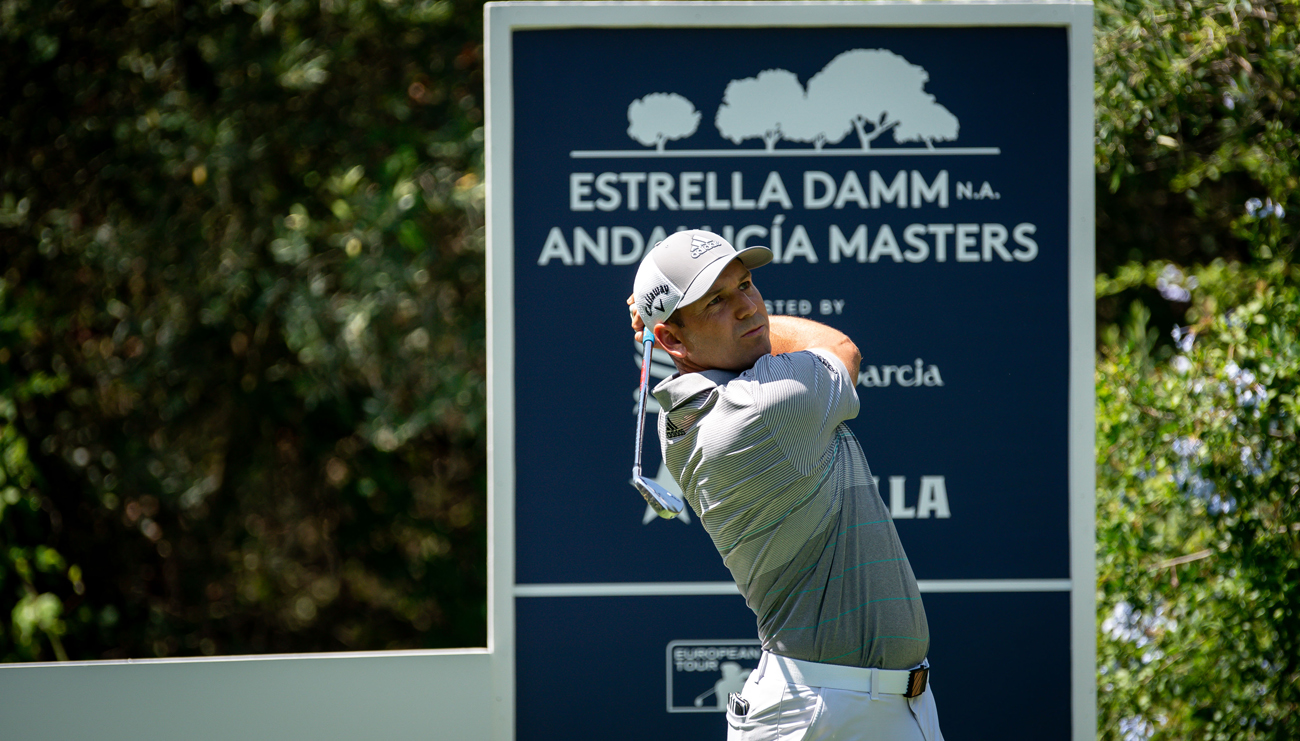 Sergio García teeing off in the first practice round of the Estrella Damm N.A. Andalucía Masters (© Real Club Valderrama)